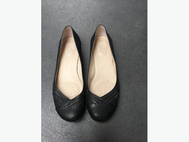 Next 'forever comfort' black leather shoes size 6.5
