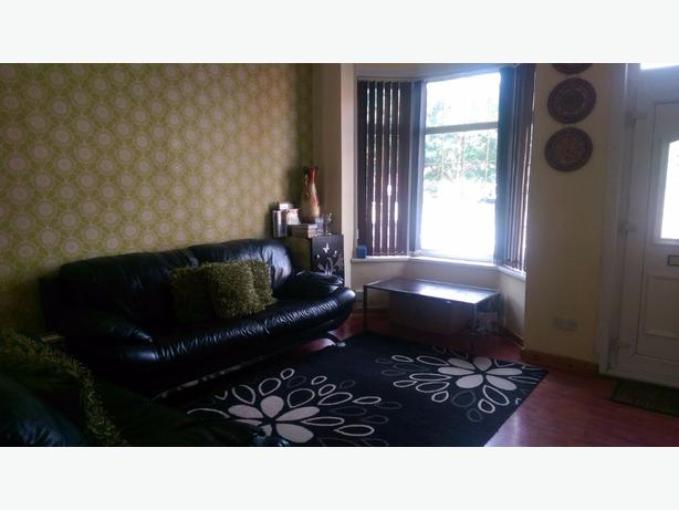 3 Bed 3 Reception Rooms