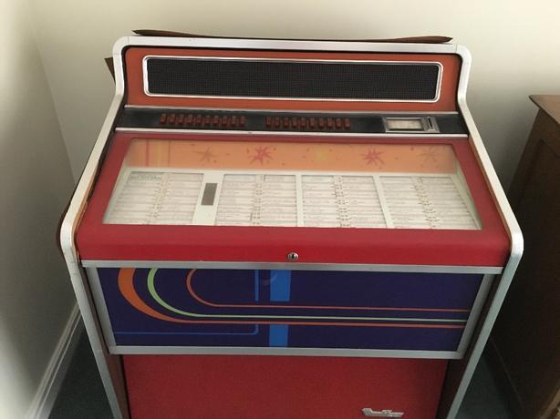 Whirlitzer Juke Box