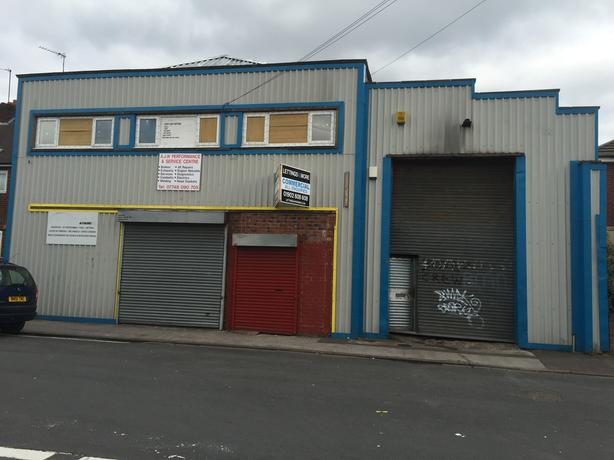WORKSHOP FOR SALE AS A GOING CONCERN £30.000 goodwill rent 225