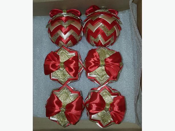 Christmas tree baubles (ribbon)