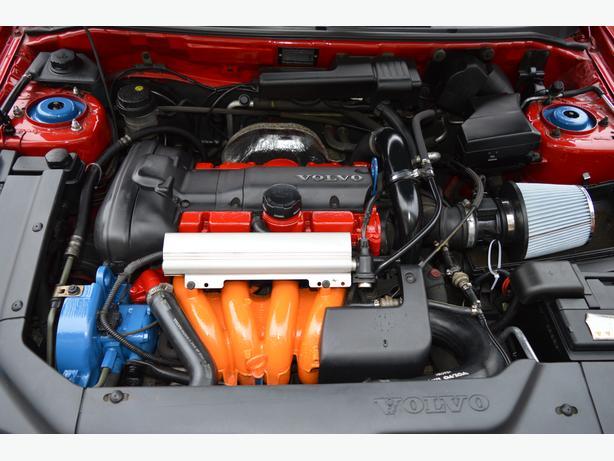 VOLVO V40 T4 1.9 TURBO 196 BHP