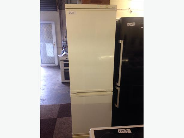 BEKO FRIDGE / FREEZER2