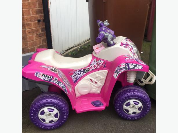 girls battery quad with radio and lights