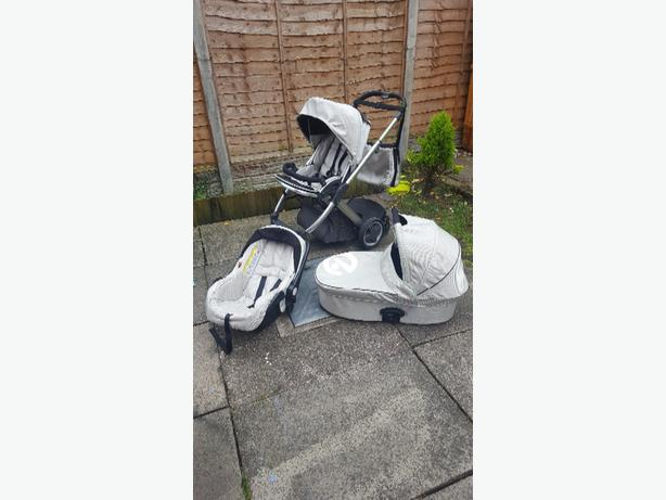 oyster pram in perfect condition