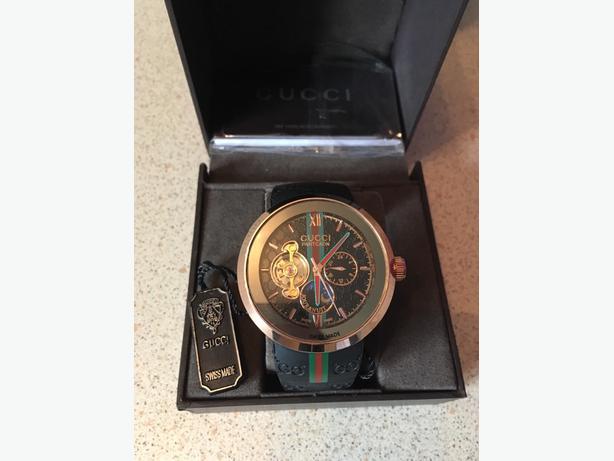 Gucci Pantcaon wrist watch