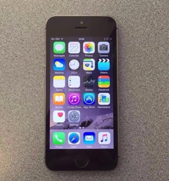 iphone 5s unlocked iphone 5s 16gb factory unlocked to all networks 1045