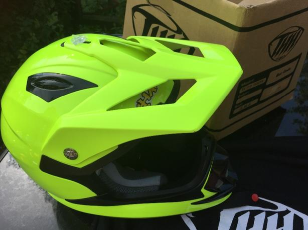 kids motorcross helmet