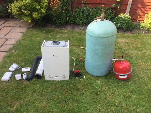 WORCESTER GREENSTAR 18Ri CONDENSING GAS BOILER full system Job Lot