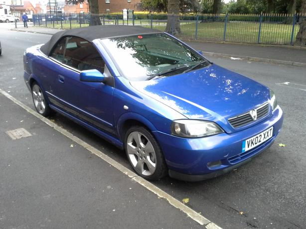 vauxhall astra coupe convertible 1 8 bertone 2003 oldbury sandwell. Black Bedroom Furniture Sets. Home Design Ideas