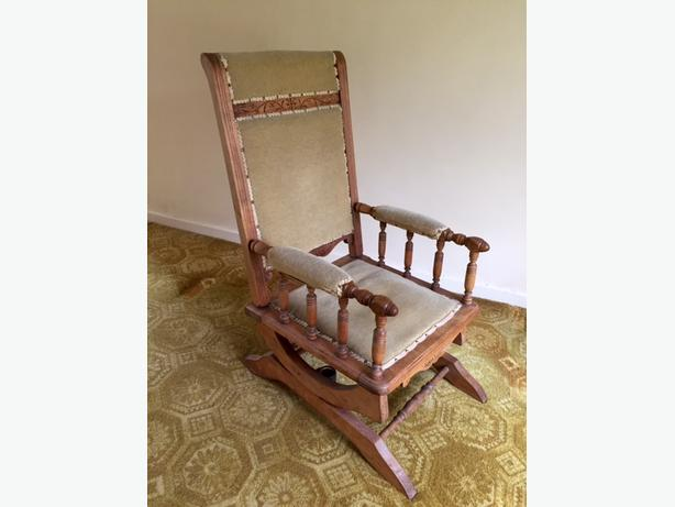 Antique American Style Rocking Chair  (Victorian)