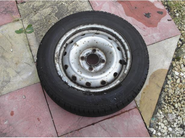 one citreon berlingo wheel