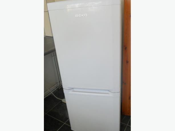 Fridge  freezer  in  excellent condition