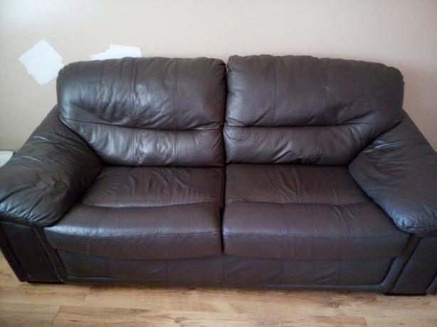 brown leatber sofa