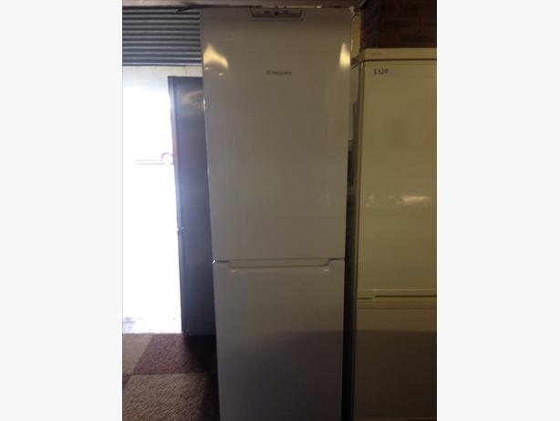 HOTPOINT FRIDGE / FREEZER FROST FREE SUPER FREEZE
