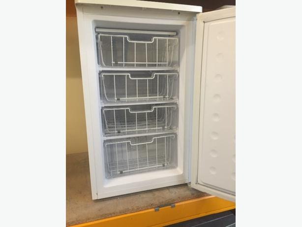 🔵➕matsui freezer free delivery all working
