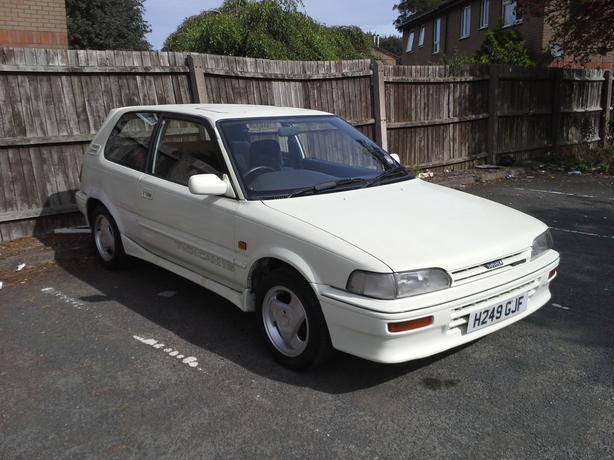 RARE TOYOTA COROLLA TWIN CAM 1.6 GTI PEARL WHITE 1991 STARTS AND DRIVES