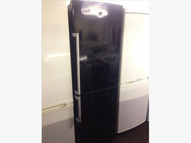 BLACK FRIDGE FREEZER3