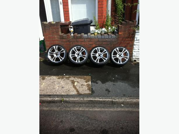 "17"" 4 stud alloys"