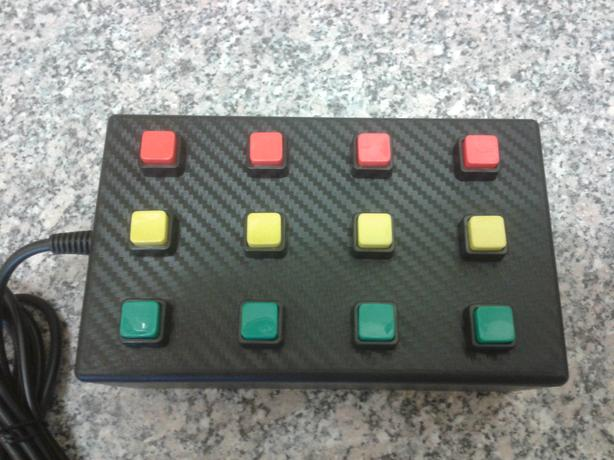 12 function USB button box for PC racing / flight sims. Red,yellow,green
