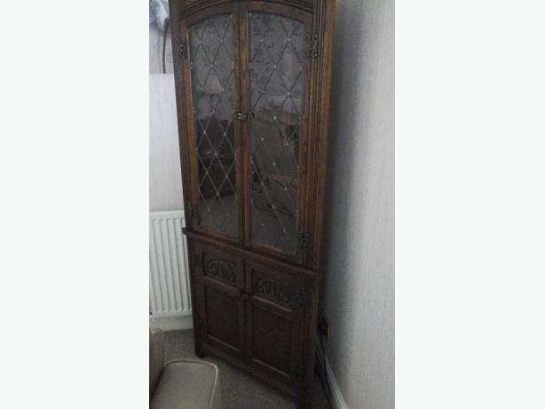 Old charm corner display cabinet