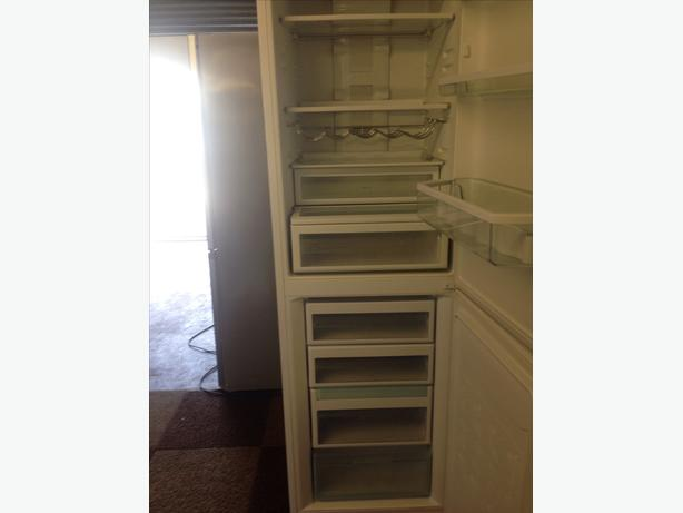 HOTPOINT FRIDGE / FREEZER FROST FREE SUPER FREEZE3