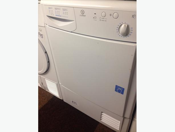 INDESIT DRYER WHITE 7KG CONDENSER
