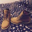 Genuine pair of womens size 7 and mens size 8 timberlands boots