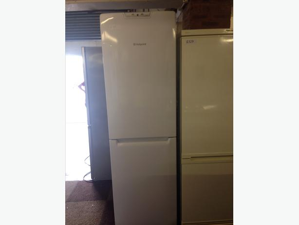 HOTPOINT FRIDGE FREEZER FROST FREE2