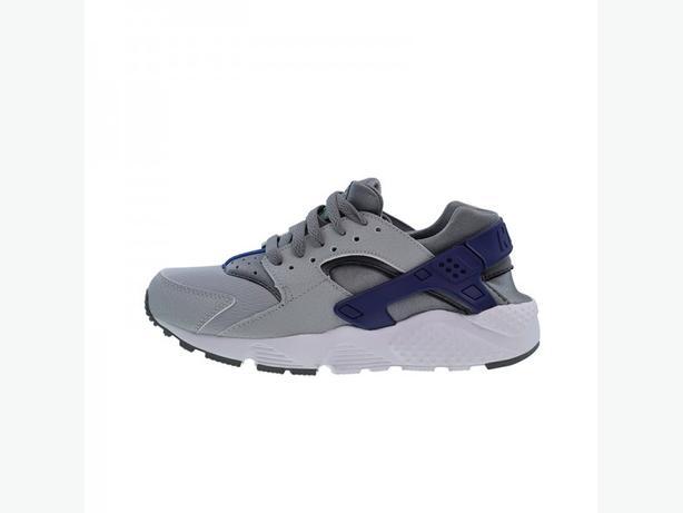 Brand new Nike air huarache youth size 4