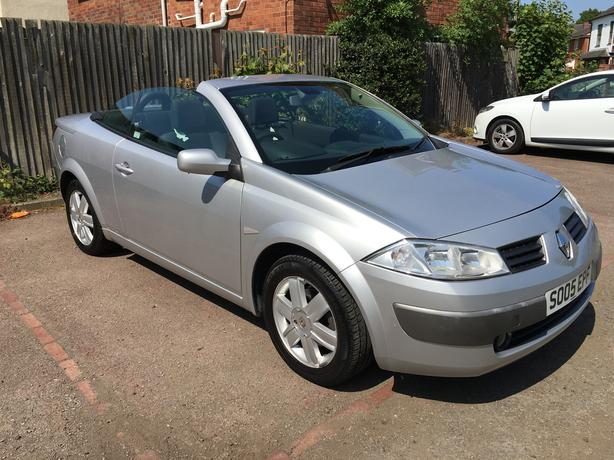 Convertable Renault Megane 1.6  with panoramic full glass roof, low mileage