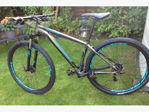 Specialized Rockhopper 29er mountain bike