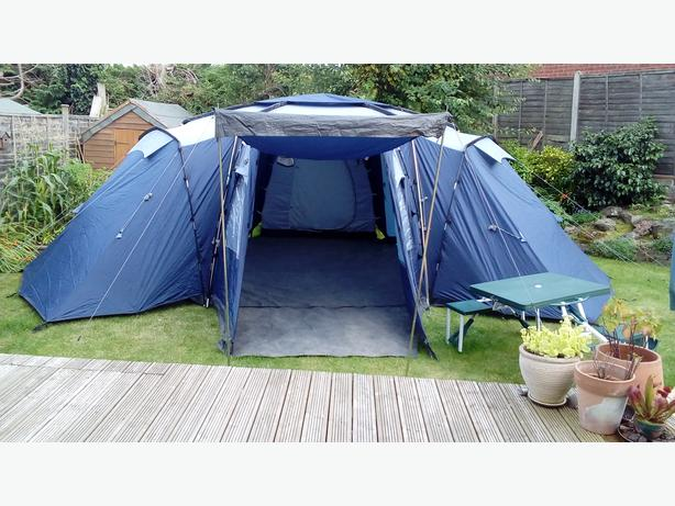 6 man family tent, table & electrical hook-up
