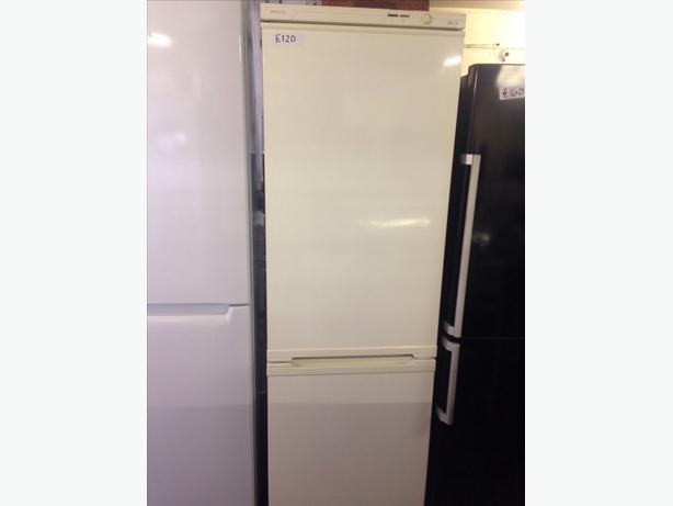BEKO FRIDGE FREEZER00