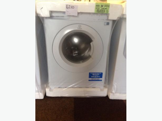 BRAND NEW INDESIT WASHING MACHINE 7KG00