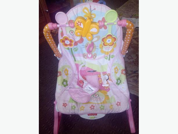 Fisher-Price Infant-to-Toddler Rocker (Pink Bunnies)