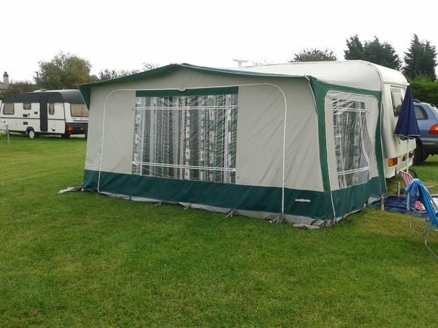 FULL EUROVENT CARAVAN AWNING, POLES AND CURTAINS AND GROUNDSHEET