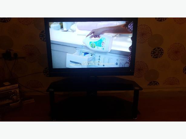 """LG 42""""inch hd tv"""