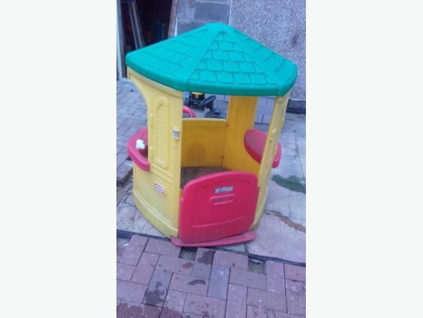 kids little tikes garden playhouse