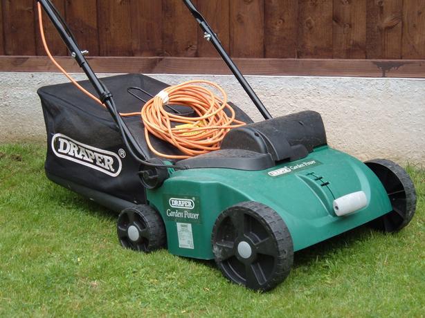 Draper 1300w Lawn Rake / Scarifier.