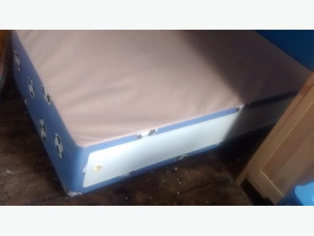 footy bedbase and headboard