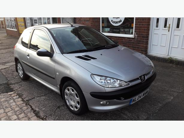 Peugeot 206 low millage 3Drs very good condition 12 months MOT £740