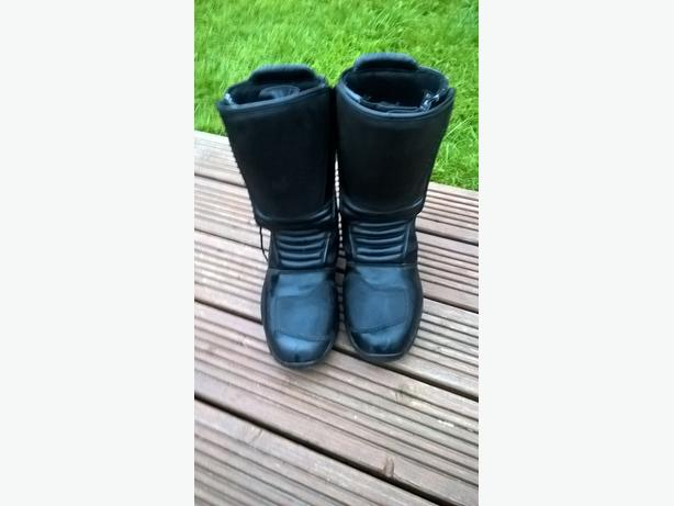 STR Lindstrand outcast Motorbike boots (like New)