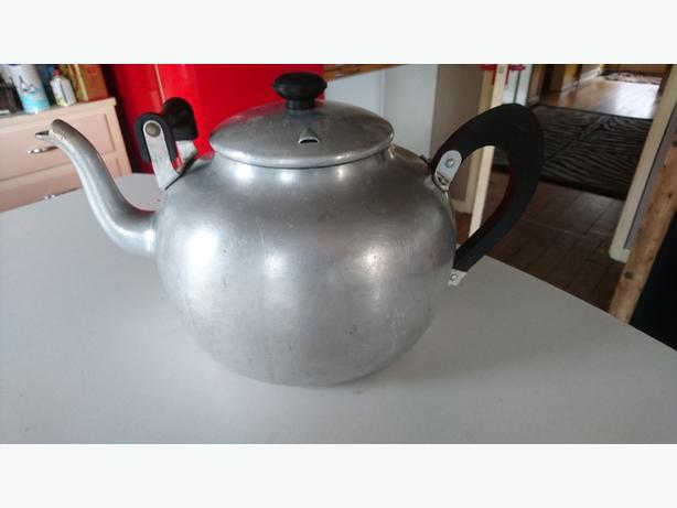 VINTAGE LARGE 8 PINT SWAN BRAND CAMPING CATERING ALLOY KETTLE TEAPOT GC