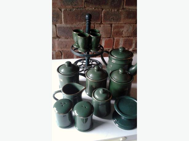 green kitchenware