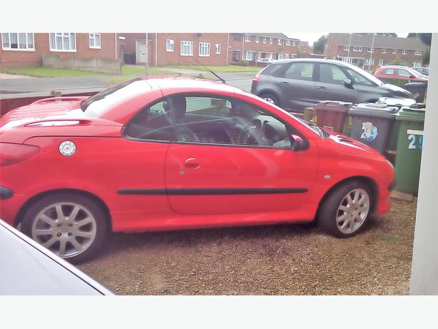 peugeot 206cc please read description wolverhampton wolverhampton mobile. Black Bedroom Furniture Sets. Home Design Ideas