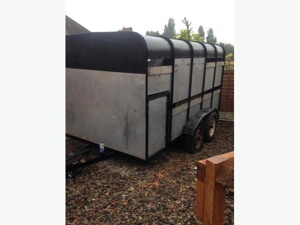 Ivor Williams Cattle box