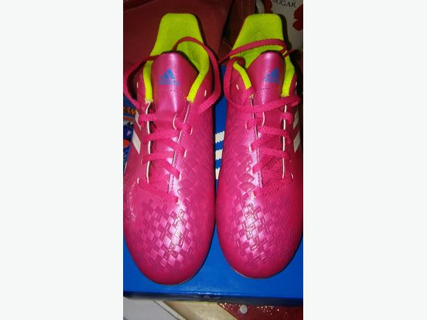 ADIDAS PINK FOOTY BOOTS NEW!