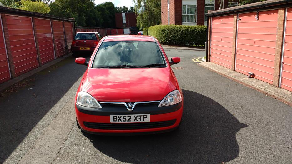 2002 corsa 1 0 club 12v very clean interior 600 ono. Black Bedroom Furniture Sets. Home Design Ideas