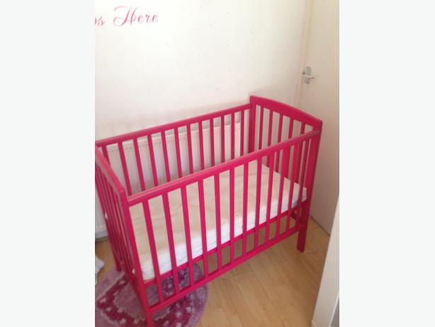 pink cot bed